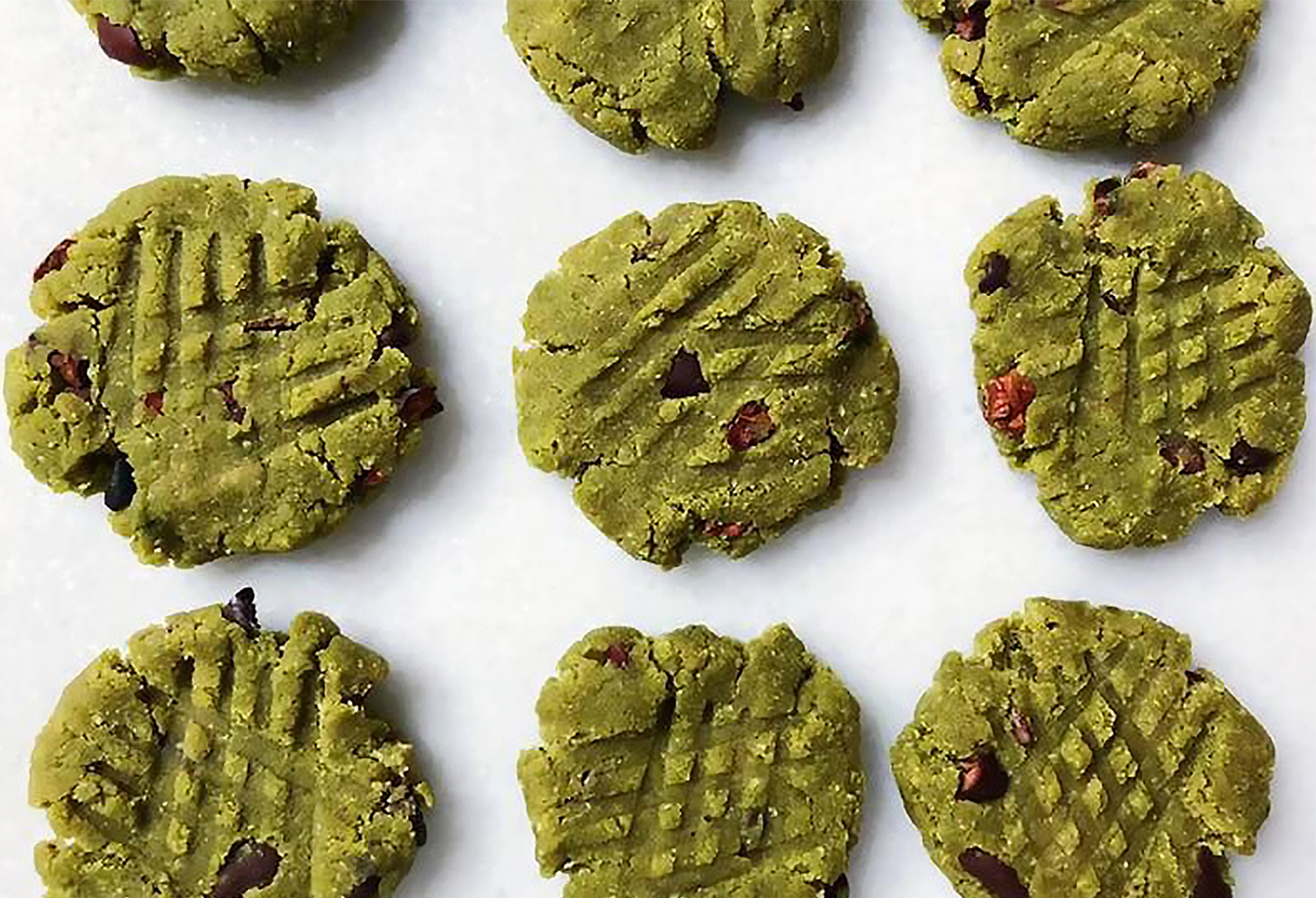 Biscuits au matcha et cacao (non cuits) 11